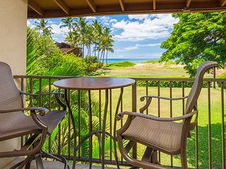 Waiohuli Beach Hale #A-201 Remodeled 2/2 Oceanfront Condo Sleeps 4