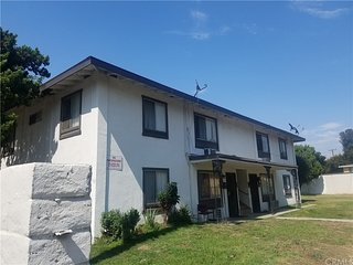 The Hideaway 2! Contemporary 2 BR Unit in Pomona