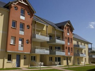 1 bedroom Apartment in Grandcamp-Maisy, Normandy, France : ref 5033610
