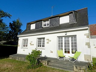 3 bedroom Apartment in Carnac, Brittany, France : ref 5034755