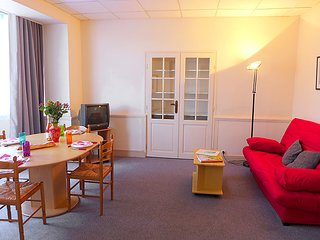 1 bedroom Apartment in Dinard, Brittany, France : ref 5027733