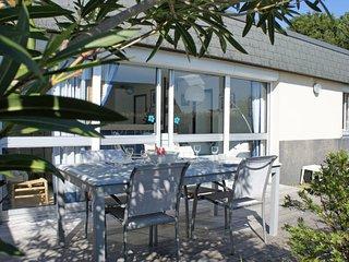 2 bedroom Villa in Kernalbet, Brittany, France : ref 5035747