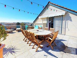 Duplex pour 6 personnes avec terrasse a Monplaisir