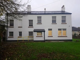 Bradbury is a recently renovated Grade 2 listed 19th Century House in West Derby