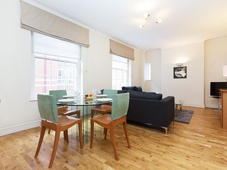 131. LOVELY 2BR 2BA FLAT IN BARBICAN AREA - BY LONDON MUSEUM
