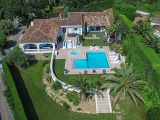 Cannes- luxurious 8 beds villa-10mn to sea