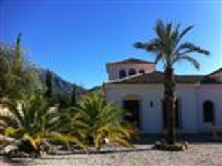 Finca holidays: flat 'el fuente' - kingsizebed-apartment on stunning finca