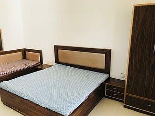 PRAGATI ELITE - a luxury PG for girls - Bedroom 2, holiday rental in Amer