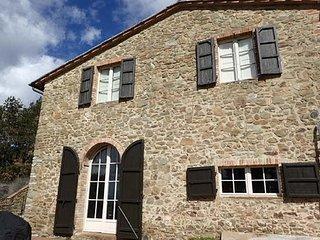 Maison Toscane 6/8 Pers sur 3 ha  vue panoramique sur Sienne, Piscine et Jaccuzi