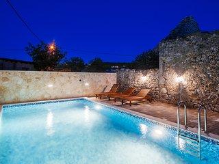 Feel Dalmatian history in the luxury villa