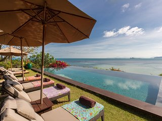 Samudra 5BR Beachfront w. Sunset & Chef