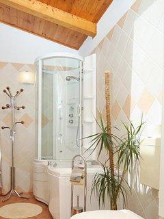 Bathroom 3, Surface: 8 m²