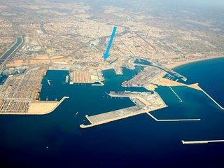 Flat with 40sqm terrace next to Valencia's port&Oceanografico