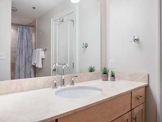 Open-Concept 1BR in C.B.D. by Sonder
