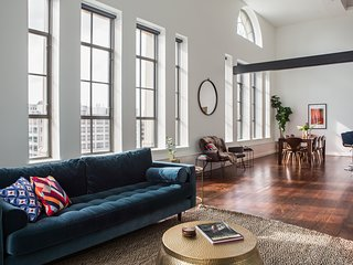 Stunning 3BR Luxury Penthouse in C.B.D. by Sonder