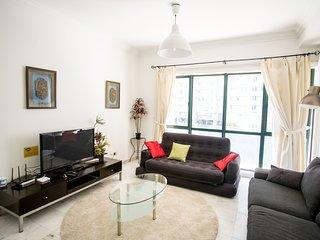 Kuala Lumpur City Center Ampang Park LRT KLCC Spacious Family Home upto 6