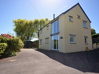 42368 House situated in Cardigan (7mls NE)