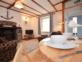 SPTID Cottage situated in Appledore