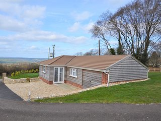 31877 Bungalow situated in Lyme Regis (3mls N)