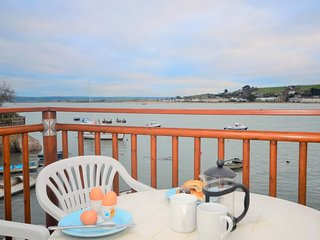 OLDB2 Apartment situated in Appledore