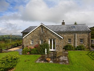 54532 Cottage situated in Llandeilo (6mls N)