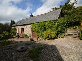 46553 Barn situated in Barnstaple (6.5mls NE)