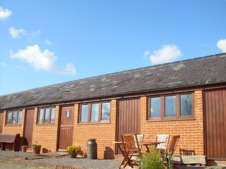MVALE Barn situated in Shaftesbury (2mls SE)