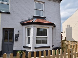 47764 Cottage situated in Cromer (5mls SE)