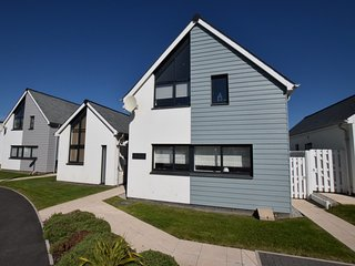 45095 House situated in Westward Ho!