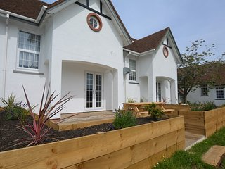 51208 House situated in Aberporth