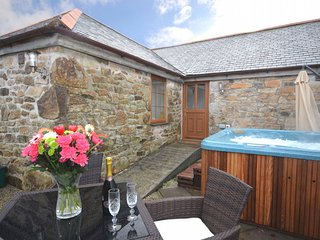 RIVBA Barn situated in St Ives (5mls SE)