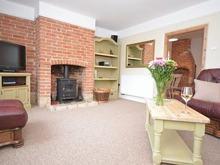 37011 Cottage situated in Stowmarket (6mls N)