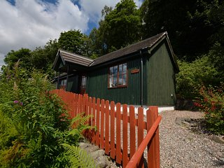 45288 Log Cabin situated in Callander (11mls NE)