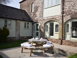 OLDOR Cottage situated in Watchet (6mls S)