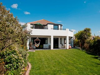 NFL67 Cottage situated in Milford on Sea