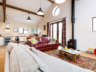 44051 Barn situated in Sherborne (3mls N)