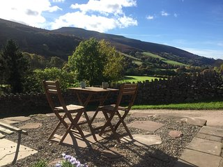 48309 Cottage situated in Crickhowell (4.5mls NW)