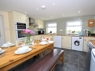 CANBE House situated in Crackington Haven (2mls E)