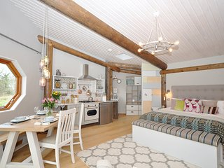 28760 Log Cabin situated in Aberaeron (7mls SE)