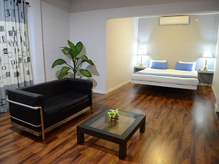 *SEA VIEW*  3 Air-Conditioned Bed Room private house near BEACHES!