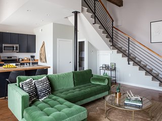 Loft-Style 2BR in Irish Channel by Sonder