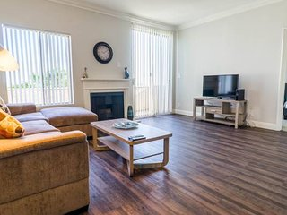 Big and spacious 2 Bedroom Apartment in UCLA / Westwood S309