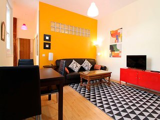 Superbly located in the heart of Madrid 2 bedroom apartment