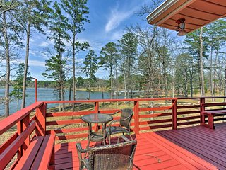 NEW! 3BR Home w/Deck & Views-On Lake O' the Pines!