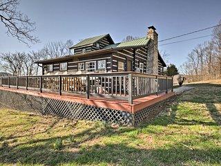 Moravian Falls Cabin w/Brushy Mtn. View & Fire Pit