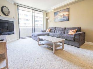 Luxury Two Bedroom by Westwood&UCLA 315