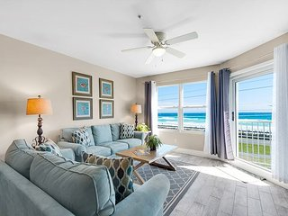 Newly Renovated, GULF VIEW Beach Condo, Pool/Spa + FREE Beach Service & Perks