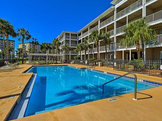 Pensacola Condo w/ Heated Pool - Walk to Beach!