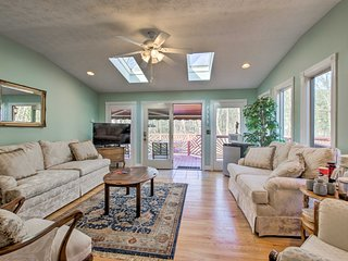 Damascus Home w/Fire Pit & Views, Walk to Shops!