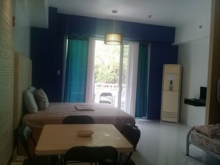 Pico de Loro Beach Front for 7 people, 1 Bedroom with WiFi and Cable